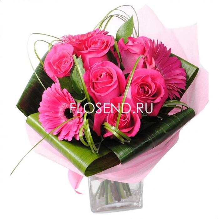 Букет с розовой герберой